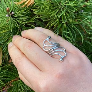 silver swirl ring on LJ
