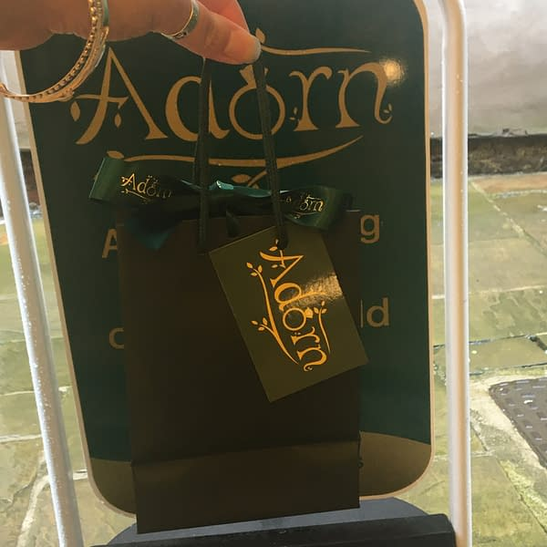 Adorn Gift Bag Outside