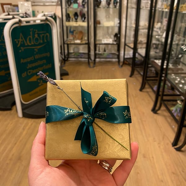 Adorn Gift Wrapping